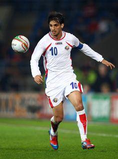 Bryan Ruiz of Costa Rica Good Soccer Players, Football Players, World Cup 2014, Fifa World Cup, Bryan Ruiz, Costa Rica, Professional Soccer, Best Player, Running