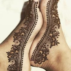 131 Simple Arabic Mehndi Designs That Will Blow Your Mind! Black Mehndi Designs, Henna Designs Feet, Simple Arabic Mehndi Designs, Finger Henna Designs, Legs Mehndi Design, Mehndi Designs Book, Mehndi Designs For Girls, Henna Designs Easy, Mehndi Design Images