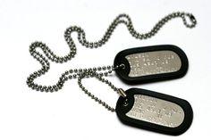PLAQUES MILITAIRES – Lot de deux plaques personnalisées de style militaire avec chaîne boule & silencieux (LIRE LA DESCRIPTION POUR SAVOIR COMMENT PERSONNALISER L'ARTICLE)