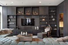 The property 6 N Michigan Ave UNIT Chicago, IL 60602 is currently not for sale. Living Room Wall Units, Living Room Modern, Living Room Designs, Living Room Decor, Bedroom Designs, Vintage Modern, Living Room Entertainment Center, Muebles Living, Regal Design