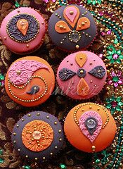 Indian-motif cupcakes from artist Ridwana Hannan, proprietor of Sprinklez in Luton, Bedfordshire, England....