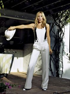 kate hudson -love whit pant suits and matching hats