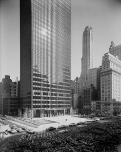 Seagram Building New York City - Mies van der Rohe 1958 [1014x1280] - photo by Ezra Stoller via Classy Bro