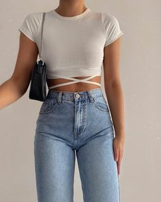 Shared by aenill. Find images and videos about fashion, style and outfit on We Heart It - the app to get lost in what you love. Teen Fashion Outfits, Teenage Outfits, Look Fashion, Girl Outfits, Summer Outfits, Korean Fashion, Winter Fashion, 80s Fashion, Modest Fashion