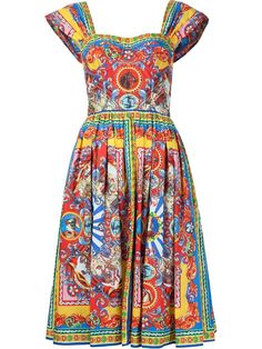 Luxury & Vintage Madrid, offers you the best selection of contemporary and vintage clothing in the world. Boho Fashion, Retro Fashion, Womens Fashion, Cute Dresses, Summer Dresses, Cotton Dresses, Dolce & Gabbana, Moderne Outfits, Batik Dress