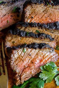 How to Cook Tri Tip (Grilled or Oven-Roasted) from The Food Charlatan. If you've never had tri tip, you haven't lived! I will show you how to cook tri tip on the grill or in the oven. It's SO easy and the flavor is unbeatable! We always had tri tip for Ch Tri Tip Oven, Oven Roasted Tri Tip, Tri Tip Grill, Tri Tip Rub, Tri Tip Steak Recipes, Roast Recipes, Grilling Recipes, Cooking Recipes, Garlic Recipes