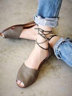 Free People || peep toe flats