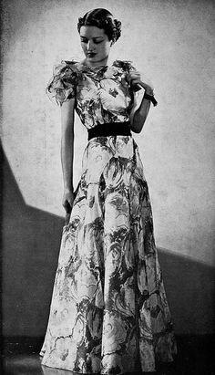 Les Modes (Paris) 1936 Robe du Soir par Jean Patou. Gorgeous gown! Women's vintage fashion photography photo image