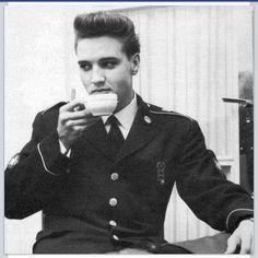 Elvis drinking tea