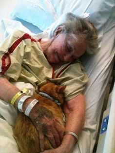 This made me cry..Cheers to this hospital for being humane and kind.  Doing the rounds on French Facebook: a hospital that allowed a woman's beloved pet accompany her for the last few days and hours of her life...