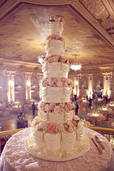 For their wedding at New York's Plaza Hotel, Michael Douglas and Catherine Zeta-Jones selected a 10-tier vanilla and buttercream wedding cake designed by couture baker Sylvia Weinstock. Description from pinterest.com. I searched for this on bing.com/images
