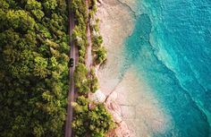 Outside the college town of Marquette on the remote Upper Peninsula, roads hug the shore, offering tantalizing peeks through the trees to sparkling Lake Superior. Michigan Travel, Lake Michigan, Modern Agriculture, Upper Peninsula, Lush Garden, Turquoise Water, Lake Superior, Great Lakes, Tours