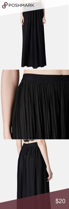 topshop black pleated maxi skirt worn only a few times. excellent condition. Topshop Skirts Maxi