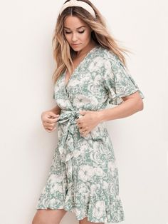 My May Collection - Lauren Conrad Holiday Party Dresses, Spring Looks, Lc Lauren Conrad, Coats For Women, Cute Outfits, Stylish Outfits, Beautiful Outfits, Girl Outfits, Fashion Outfits