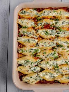 Stuffed Pasta Shells - Delicious Spinach and Cheese Stuffed Shells with 3 chees. - Stuffed Pasta Shells – Delicious Spinach and Cheese Stuffed Shells with 3 cheeses, spinach, and - Veggie Recipes, Easy Dinner Recipes, Healthy Dinner Recipes, Beef Recipes, Easy Meals, Cooking Recipes, Vegetarian Italian Recipes, Fast Recipes, Vegetarian Pasta Dishes