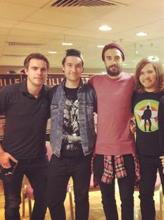 Will isn't in the band anymore because of his solo project.. Now @MiddletonRiddle is the new bassist of Bastille. --- Na ah!