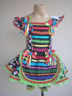 Vestido junino Vestidos Country, Country Dresses, Vestidos Fashion, Little Princess, Ideias Fashion, Crochet, Tops, Women, Glamour