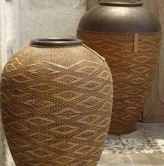 Contrast baskets
