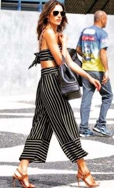 All Things Lovely In This Fall / Winter Outfit. - Street Fashion, Casual Style, Latest Fashion Trends - Street Style and Casual Fashion Trends Looks Street Style, Looks Style, Summer Outfits, Casual Outfits, Fashion Outfits, Fashion Trends, Striped Outfits, Casual Pants, Moda Fashion