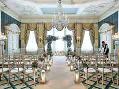 From romantic ceremonies to lavish wedding receptions and intimate wedding venues, Claridge's in London provides all the inspiration, care and attention you deserve. Luxury Wedding Venues, Wedding Reception Venues, Royal Wedding Guests Outfits, Room London, Function Room, Best Hotel Deals, London Hotels, Indoor Wedding, London Wedding