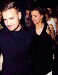 @Liam Payne  oh my gosh Liam look at your eyes! They look perfect! Love you and sophia!
