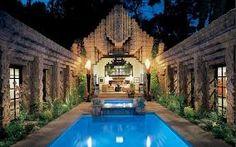 "John Sowden House, AKA the ""Jaws House"". Los Feliz section of Los Angeles, California. Lloyd Wright, (Son of Frank Lloyd Wright) Casas California, California Homes, Hollywood California, Frank Lloyd Wright, Revival Architecture, Architecture Design, Amazing Architecture, Art Nouveau, Art Sculpture"