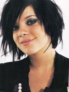 lily allen I could do this right now until the front grows out… Lily Allen, Popular Short Hairstyles, Cute Hairstyles For Short Hair, Short Hair Cuts, Edgy Hairstyles, Short Wavy, Cut My Hair, Her Hair, Hair Styles 2014
