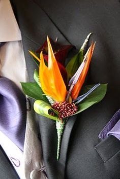 For unique wedding flowers reach for birds of paradise. The tropical flowers come in bright shades and work well for a destination or beach-inspired wedding. They look especially snazzy as the grooms and groomsmens boutonnieres. Bird Of Paradise Tattoo, Bird Of Paradise Yoga, Bird Of Paradise Wedding, Birds Of Paradise Flower, Paradise Garden, Wedding Bridesmaids, Wedding Bouquets, Wedding Flowers, Bridesmaid Dresses