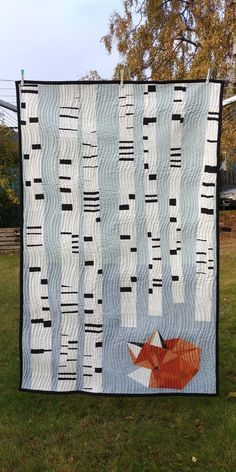 Best 12 Sleepy Fox Quilt: Thoughts on the Client Relationship – Story Workshop – – – SkillOfKing. Fox Quilt, Quilt Baby, Quilted Baby Blanket, Quilt Modernen, Animal Quilts, Tree Patterns, Modern Quilt Patterns, Modern Quilting Designs, Quilt Designs