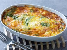 savoury impossible pie - like cheating at making quiche by the looks of it. Bisquick Recipes, Quiche Recipes, Egg Recipes, Light Recipes, Brunch Recipes, Casserole Recipes, Cooking Recipes, Recipies, Savoury Recipes