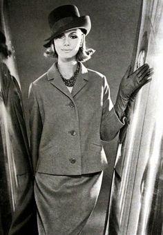 Jobis Fashion, Elegance (Dutch) March 1964