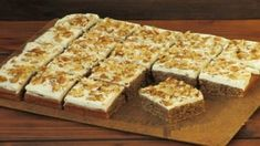 Ciasto Nesquik w 10 minut - Obżarciuch Croissants, Homemade Cakes, Cornbread, Sweet Recipes, Banana Bread, Sweet Tooth, Food And Drink, Appetizers, Sweets