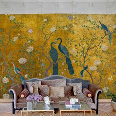 Coordonne Edo Gold Vinyl Behang: Chinoiserie - Luxury By Nature Wallpaper Uk, Luxury Wallpaper, Wallpaper Direct, Designer Wallpaper, Gold Wallpaper Living Room, Shoes Wallpaper, Wallpaper Murals, Wallpaper Panels