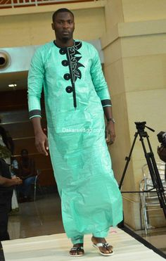Mode Tabaski 2016 (5) African Shirts For Men, African Attire For Men, African Clothing For Men, African Wear, Couples African Outfits, African Dresses Men, African Women, Nigerian Men Fashion, African Print Fashion