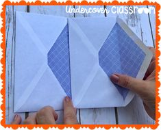 Learn how to make an accordion book out of envelopes! Fill the pockets with flash cards or folded papers. Fun Fold Cards, Cards Diy, Folded Cards, Mini Albums, Mini Photo Albums, Jar Crafts, Book Crafts, Baby Mini Album, Envelope Book
