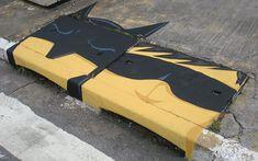 street-art-batman-and-robin - Street Art - Photos Banksy, Mr Brainwash, Batman Robin, Art Optical, Optical Illusions, Paulistano, Amazing Street Art, Chalk Drawings, Everyday Objects
