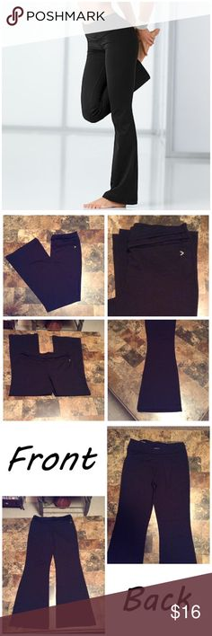 """Victoria's Secret Flare Fit Yoga Pants First pic of model wearing a similar style of Yoga pants. Last 3 pics are of actual item/color. Black. Size Small. Flare Leg. Made of 77% nylon & 23% spandex/Lycra. Laying flat """"14.5. Leg Opening """"10. Rise """"10. Length """"39. Inseam """"30.  This Item is NOT new, It is used and VS on back is fading. From a Smoke & Pet free home. All offers thru the Offer button ONLY.  I will NOT negotiate prices in the comment section. Thanks✨😀 Victoria's Secret Pants Boot…"""