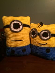 Best Cute Crochet Animal Pillow Designs and Ideas – Pillow Cute Crochet, Crochet Crafts, Yarn Crafts, Crochet Projects, Knit Crochet, Crochet Pillow, Crochet Stitches, Crochet Patterns, Minions