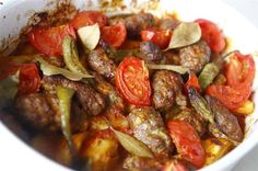 I'm really surprised that this recipe is not on the site, my favorite dish . World Recipes, Meat Recipes, Turkish Recipes, Ethnic Recipes, Turkish Kitchen, Good Food, Yummy Food, Iftar, Food And Drink
