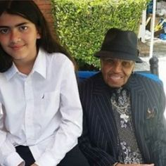 Blanket (Bigi) Jackson and his Grandfather Joe Jackson. Prince Michael Jackson, Michael Jackson Quotes, Paris Jackson, Familia Jackson, Mj Kids, Angeles, Aaron Carter, My First Crush, Jackson Family