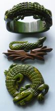 Bakelite and Wood Alligator Set - Green - Bracelet - 2 Pins - Vintage