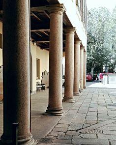 Giardino di una piccola residenza di Milano.  (Città Metropolitana di Milano,Via Cappuccino,15)