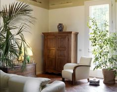 Arredare casa con mobili antichi - Armadio d'epoca