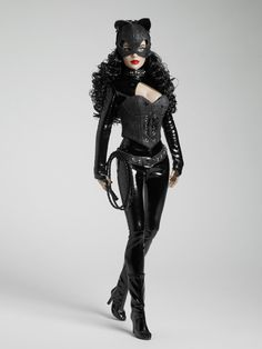 CATWOMAN™ - SELINA KYLE™ | Tonner Doll Company...Love, Love, Love... >^..^<