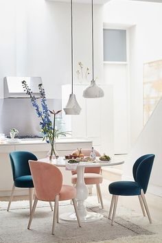 Amazing Dining Room Minimalist Designs That Are Simply and Inspire - Locate the best concepts for your minimalist dining-room that matches your design and taste. Browse for impressive pictures of minimalist dining-room for motivation. Dining Room Sets, Dining Room Design, Dining Room Chairs, Dining Room Furniture, Office Chairs, Furniture Sets, Home Interior, Interior Design Kitchen, Interior Paint
