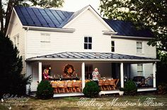 Country House Front Porch Dinner Party at celebratingeverydaylife.com #porches #party