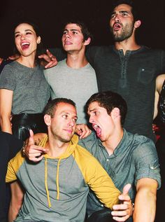 Crystal Reed, Dylan O'Brien, Tyler Hoechlin, Daniel Sharman and somebody else