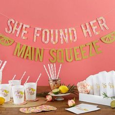 Get the party started as easily as possible with this main squeeze party kit!