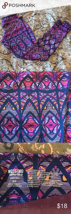 Retro Print Leggings Retro print leggings from Mossimo Supply Co in size small, fits true to size, 88% Poly, 12% Spandex Mossimo Supply Co Pants Leggings