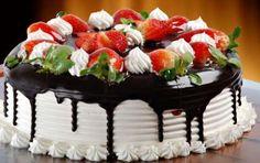 Torte di compleanno facili per tutti i gusti [FOTO] - In questo articolo trovate due ricette di torte di compleanno semplici e veloci, proprio per tutti i gusti: la torta al cioccolato e la torta panna e fragola aspettano solo di essere preparate! Saranno la gioia di grandi e piccini.